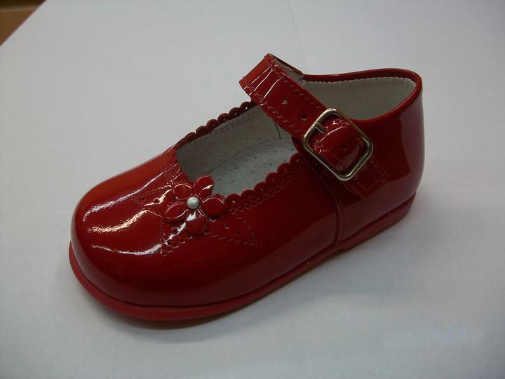 67885a882 Zapatería Pasitos en Madrid. Zapato infantil y juvenil